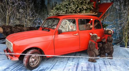 Voiture de collection « Renault 4 de Noël ! »