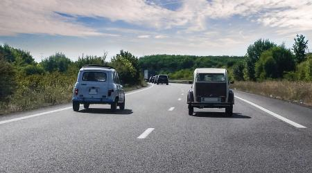 Voiture de collection « 4L et 2 CV ! »
