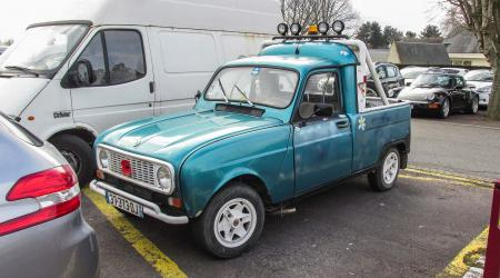 Voiture de collection « Renault 4 F4 Pickup »
