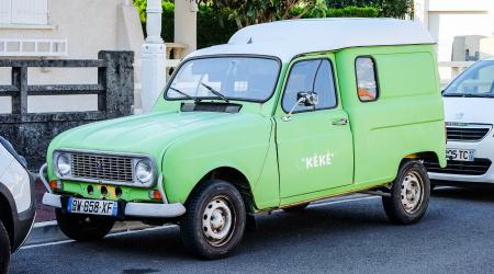 Voiture de collection « Renault 4 fourgonnette « Kéké » »