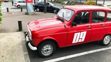 Voiture de collection « Renault 4L »