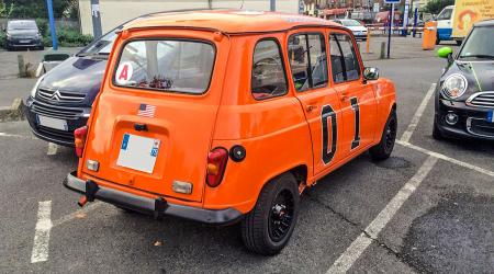 Voiture de collection « Renault 4L General Lee »
