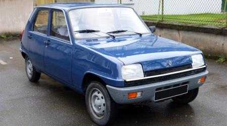 Voiture de collection « Renault 5 L »