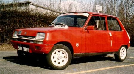 Voiture de collection « Renault 5 L de 1983 »