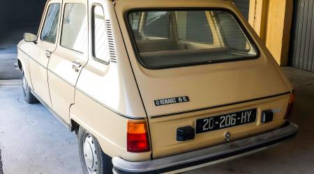 Voiture de collection « Renault 6 TL »
