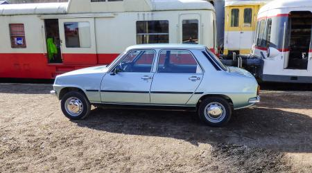 Voiture de collection « Fasa-Renault 7 TL »