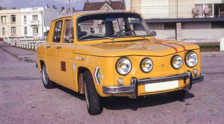 Voiture de collection « Renault 8 1969 »