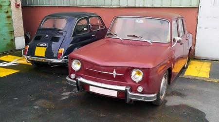 Voiture de collection « Renault 8 & Fiat 500 »