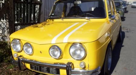Voiture de collection « Renault 8 Gordini jaune »