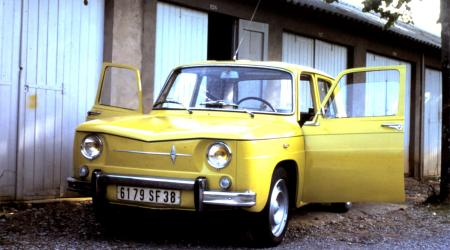 Voiture de collection « Renault 8 Major »