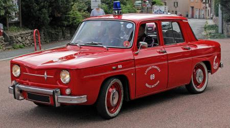 Voiture de collection « Renault 8 Pompier »