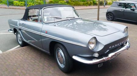 Voiture de collection « Renault Caravelle »