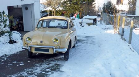 Voiture de collection « Renault Dauphine »