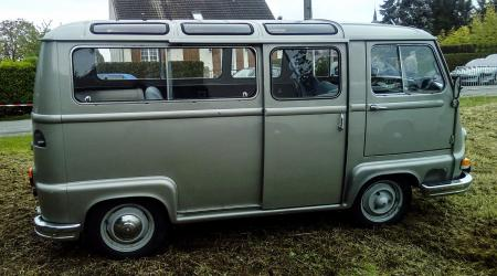 Voiture de collection « Renault Estafette »