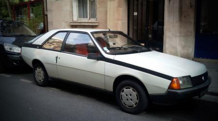 Voiture de collection « Renault Fuego GTS »