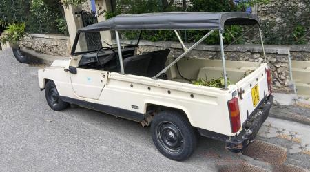 Voiture de collection « Renault Rodéo »