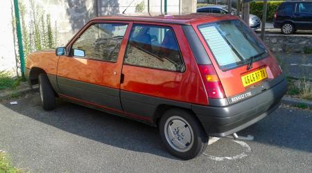 Voiture de collection « Supercinq TSE »
