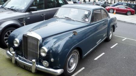 Voiture de collection « Coupé Corniche Bentley »