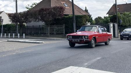 Voiture de collection « Rover 3500 »
