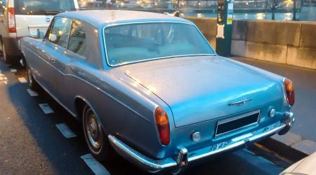 Voiture de collection « Rolls-Royce Silver Shadow Coupé »