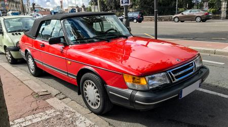 Voiture de collection « Saab 900 Turbo Cab »