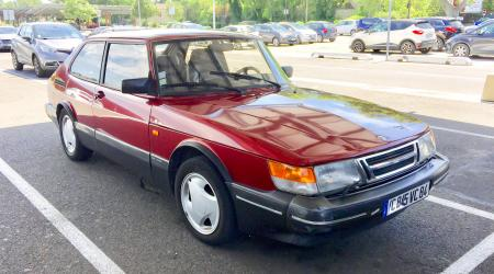 Voiture de collection « Saab 900 S »