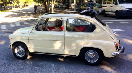 Voiture de collection « Seat 600 »