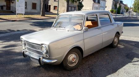 Voiture de collection « Simca 1000 »
