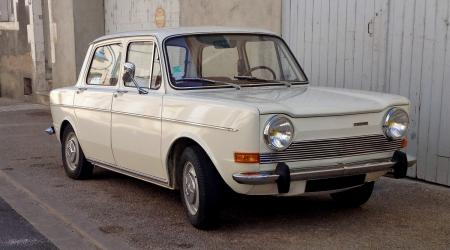 Voiture de collection « Simca 1100 GLS blanche »