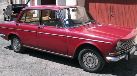 Voiture de collection « Simca 1300 »