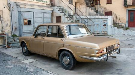 Voiture de collection « Simca 1501 »