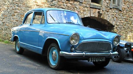 Voiture de collection « Simca Aronde étoile »