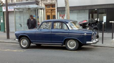 Voiture de collection « Simca Aronde P60 »