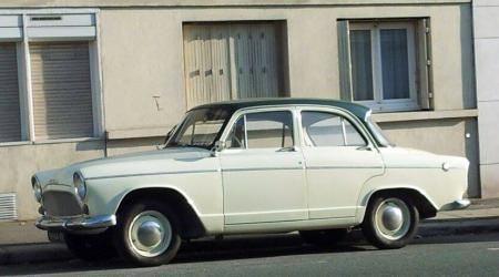 Voiture de collection « Simca P60 »