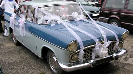 Voiture de collection « Simca Chambord V8 »