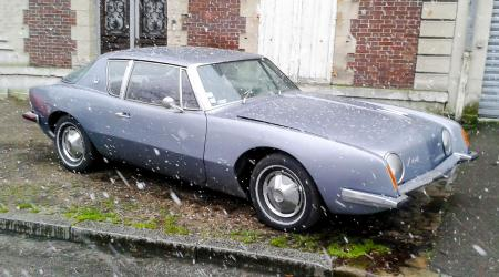Voiture de collection « Studebaker Avanti »