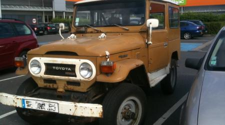 Voiture de collection « Toyota Land Cruiser Série 4 »