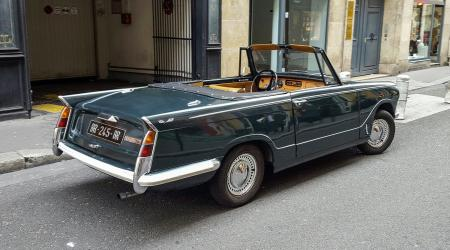 Voiture de collection « Triumph Herald »