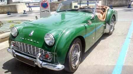 Voiture de collection « Triumph TR3 »