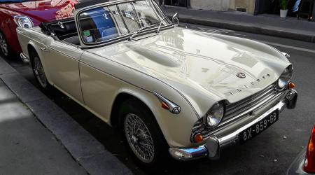 Voiture de collection « Triumph TR4A »