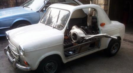 Vespa 400 à moteur Panhard