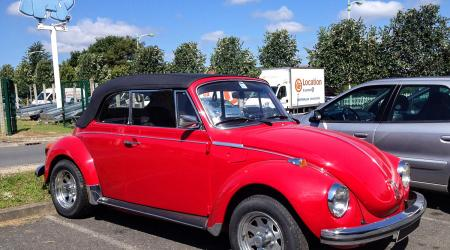 Voiture de collection « Volkswagen Coccinelle 1303L Cab »