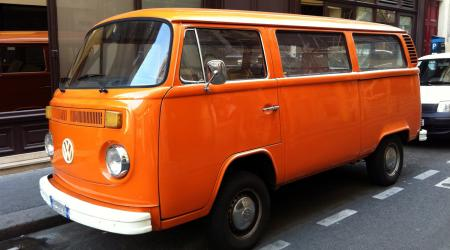 Combi Volkswagen bay window orange