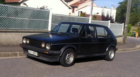 Voiture de collection « Volkswagen Golf 1 Noire »