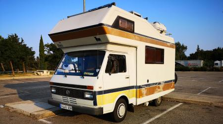 Voiture de collection « Volkswagen LT31 camping car »