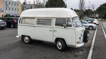 Voiture de collection « Volkswagen Combi T2A »