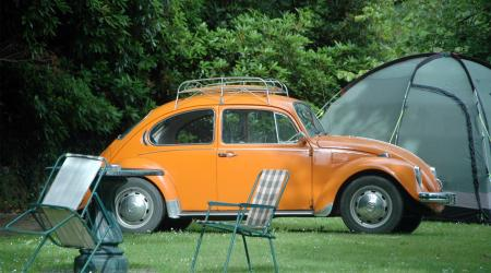 Voiture de collection « Volkswagen Coccinelle orange »