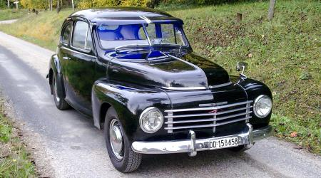 Voiture de collection « Volvo PV444 »