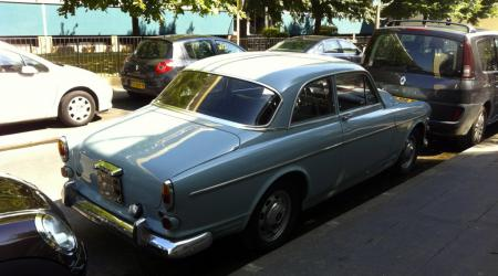 Voiture de collection « Volvo 121 »