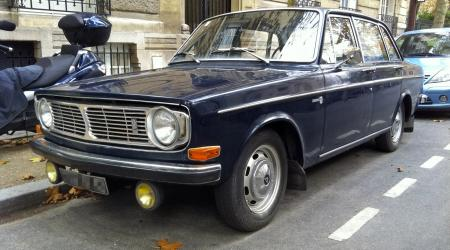 Voiture de collection « Volvo 144 »